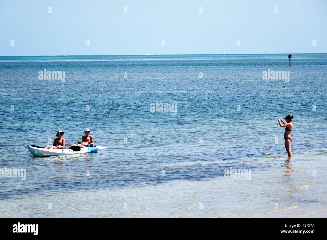 florida keys marathon curry hammock state park atlantic ocean woman friends kayak rental kayaking posing picture florida keys marathon curry hammock state park atlantic ocean      rh   alamy