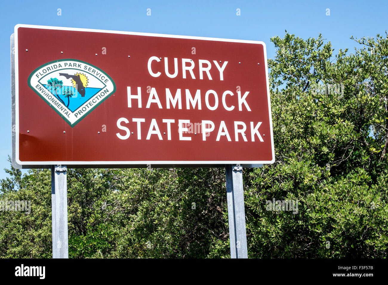 florida keys marathon curry hammock state park entrance sign florida keys marathon curry hammock state park entrance sign stock      rh   alamy