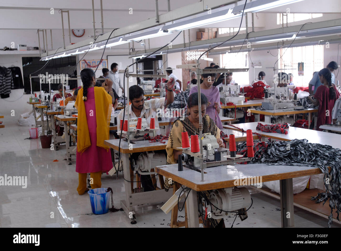 Knitting Units In Tirupur : Stitching in a garment industry tirupur tamil nadu