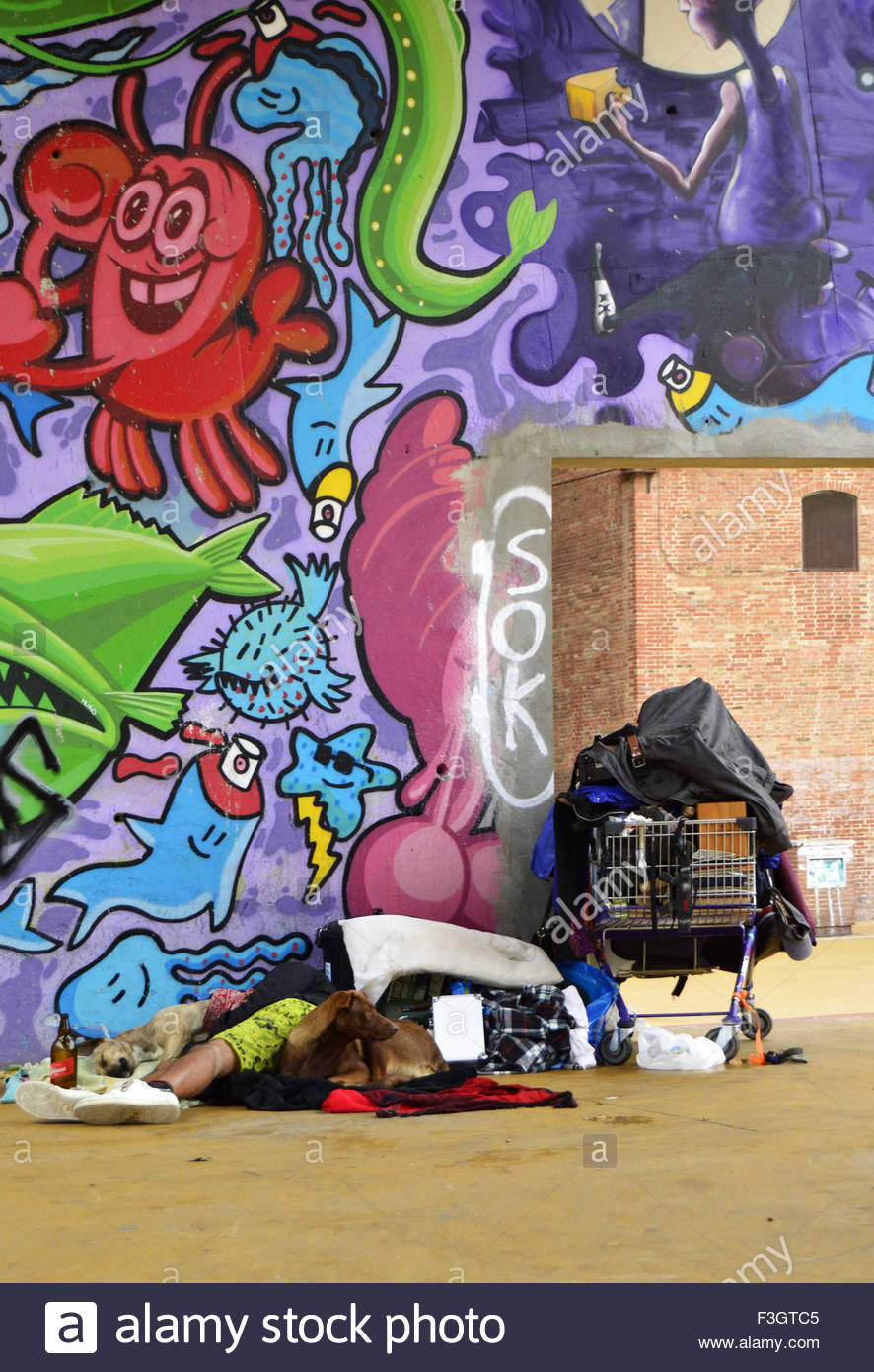 Graffiti wall barcelona - Homeless Shelter Wall With Graffiti Art In El Raval Neighborhood Ciutat Vella Barcelona Spain Europe