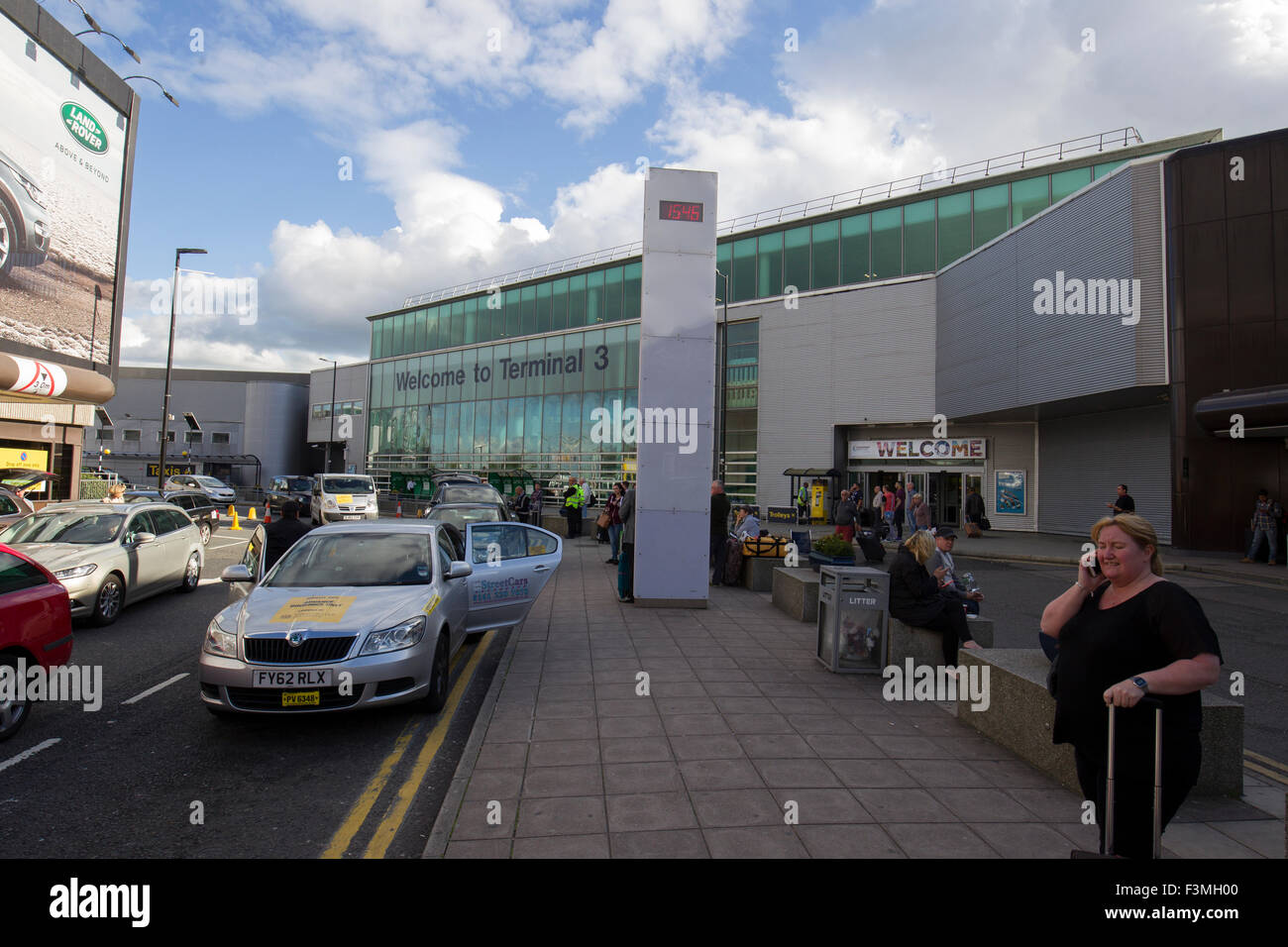 Manchester Airport T3 Parking >> Manchester international airport drop off & arrivals Welcome to Stock Photo, Royalty Free Image ...