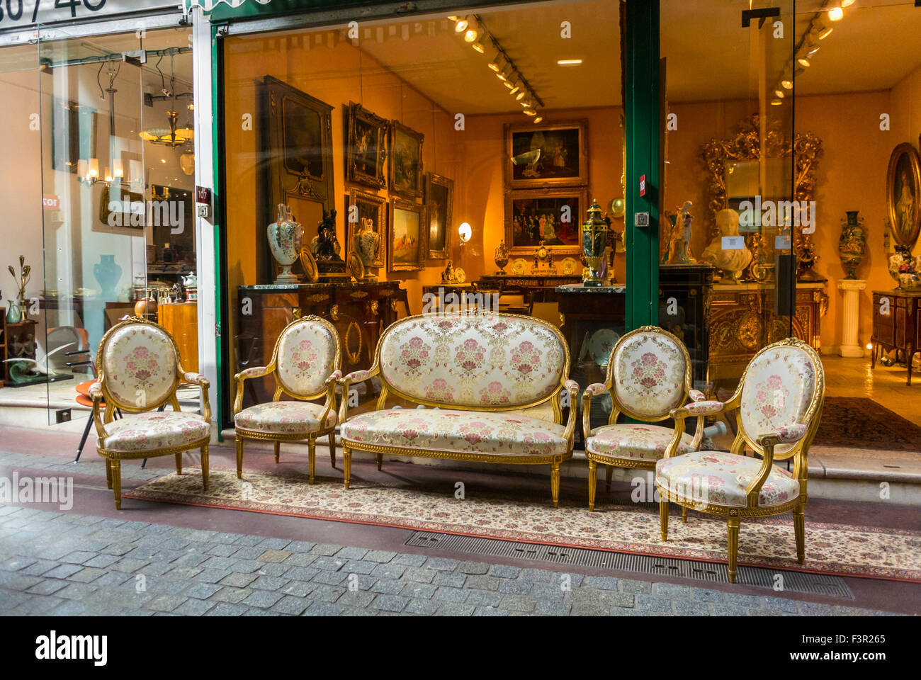 paris france french flea market les puces de paris saint ouen stock photo royalty free. Black Bedroom Furniture Sets. Home Design Ideas