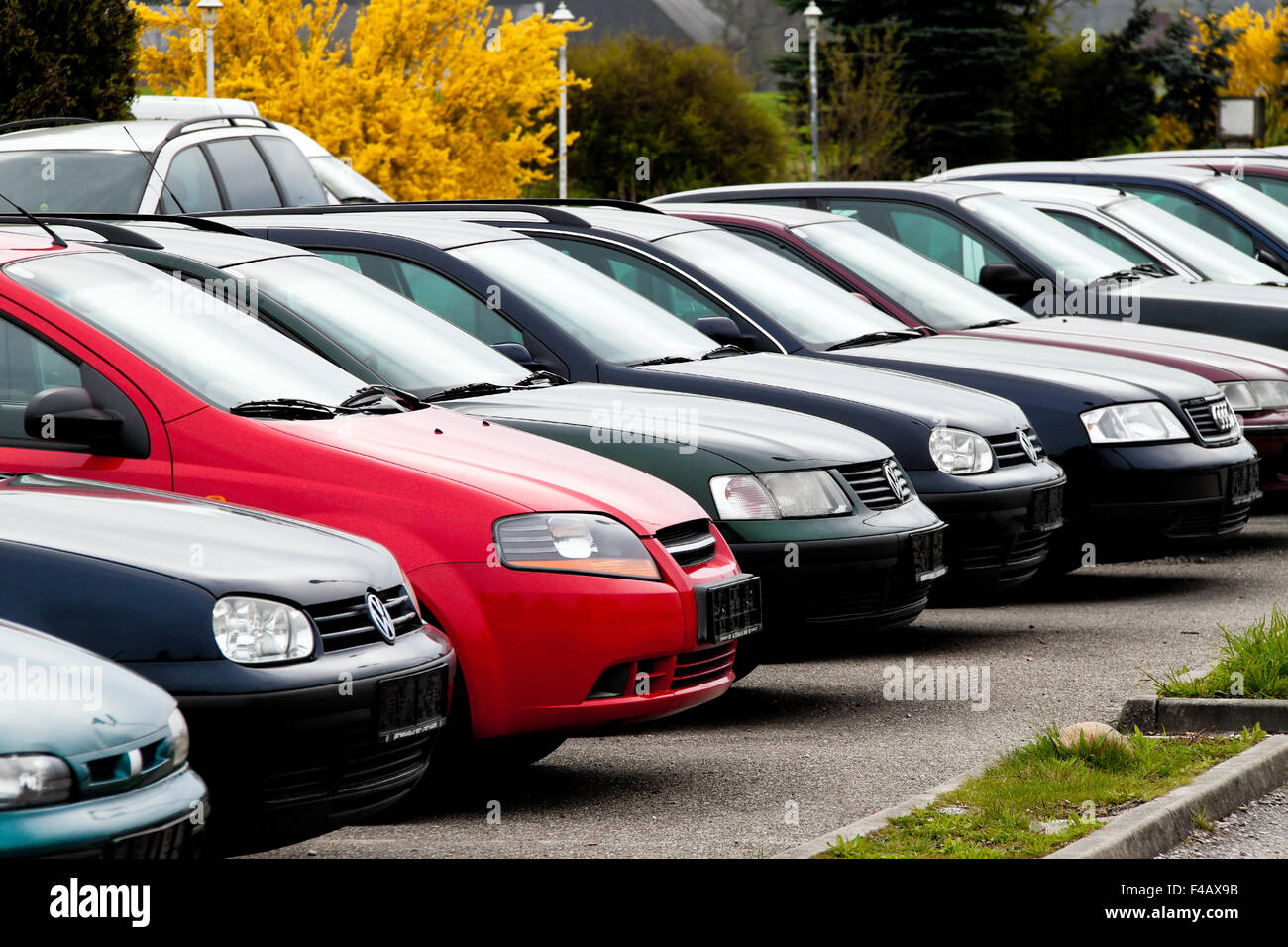 Used cars from car dealers. Used car trade Stock Photo, Royalty ...