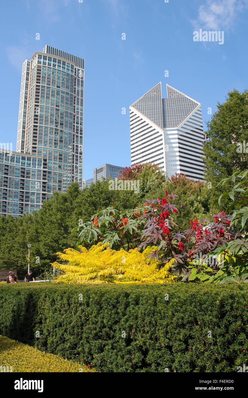 Good The Crain #10: The Heritage At Millennium Park (left, Completed In 2004) And The Crain  Communications Building (completed In 1984.) Chicago, Illinois, United  States, ...