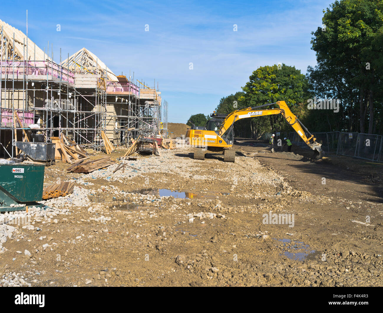 Dh redrow homes uk new houses uk construction site for Home building sites