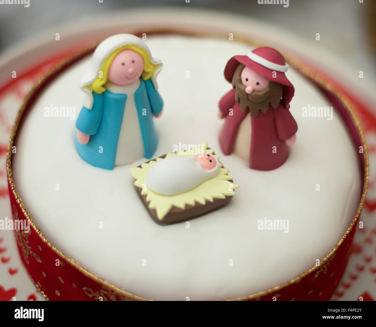 christmas cake nativity scene with mary and joseph and baby jesus