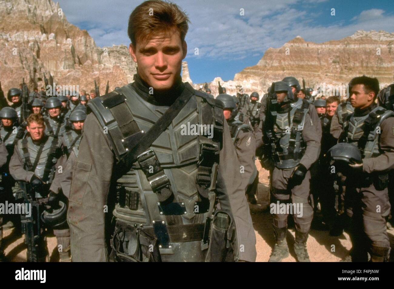 a review of the movie starship troopers by paul verhoeven Even more astounding is jacques rivette would hail starship troopers as superior to jurassic park and compare verhoeven to roy lichtenstein even the utter madness of showgirls was the subject of a round table discussion by film quarterly.