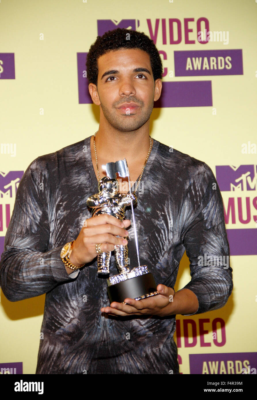 Drake | News, Music Performances and Show Video Clips | MTV