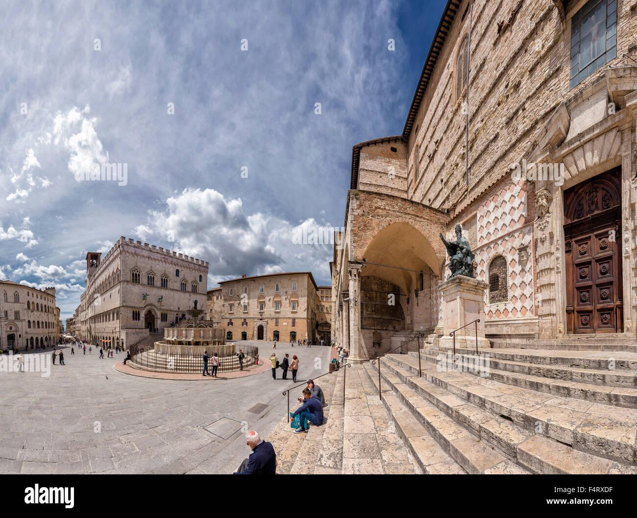 Italy europe perugia umbria piazza iv novembre for Arredare milano piazza iv novembre