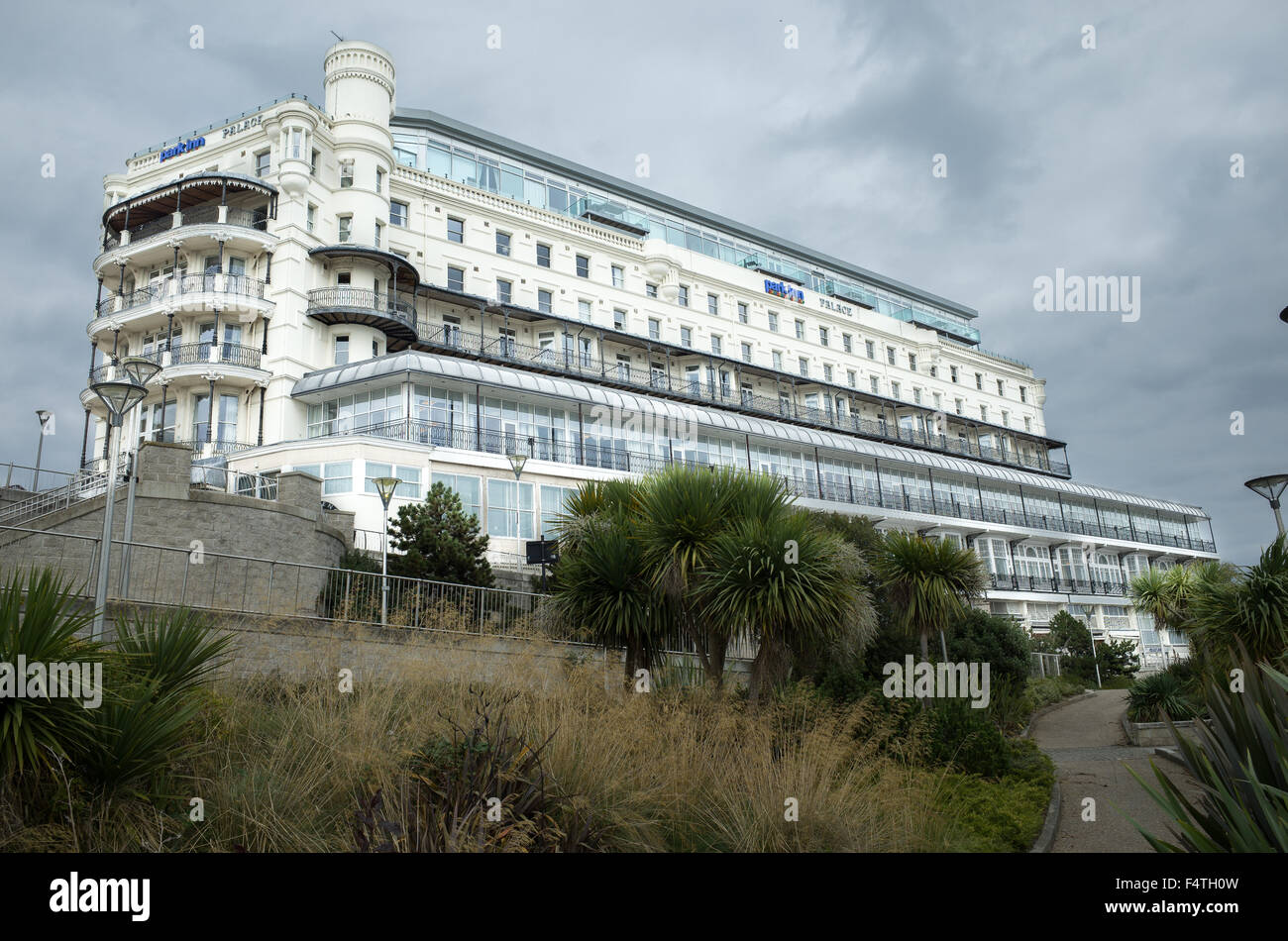 palace hotel park inn on the cliff top at southend on. Black Bedroom Furniture Sets. Home Design Ideas