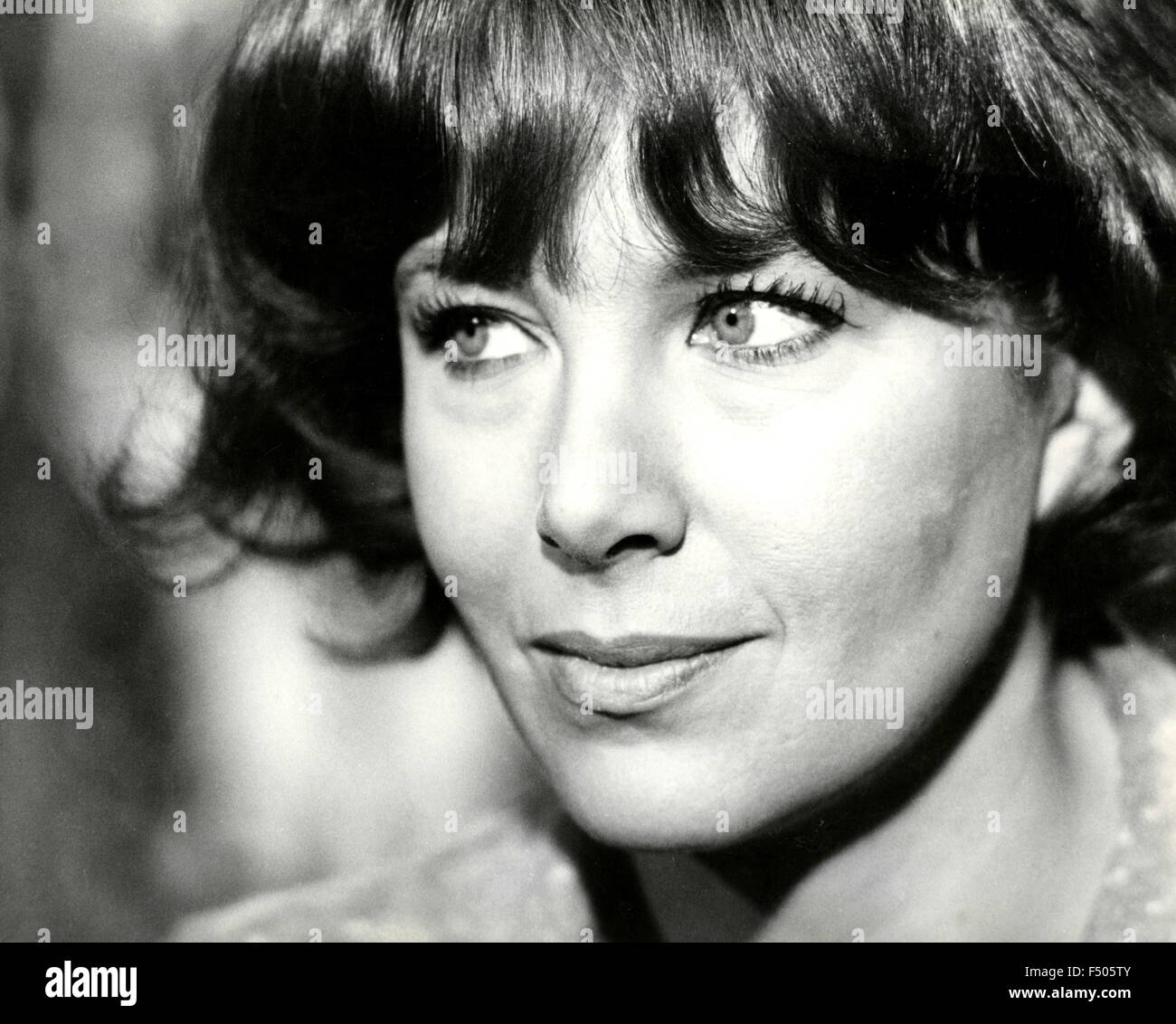 annie girardot dating Life magazine hailed 1965 as the year of julie christie when the young actress became before dating actor faye dunaway / annie girardot (1977) jane.