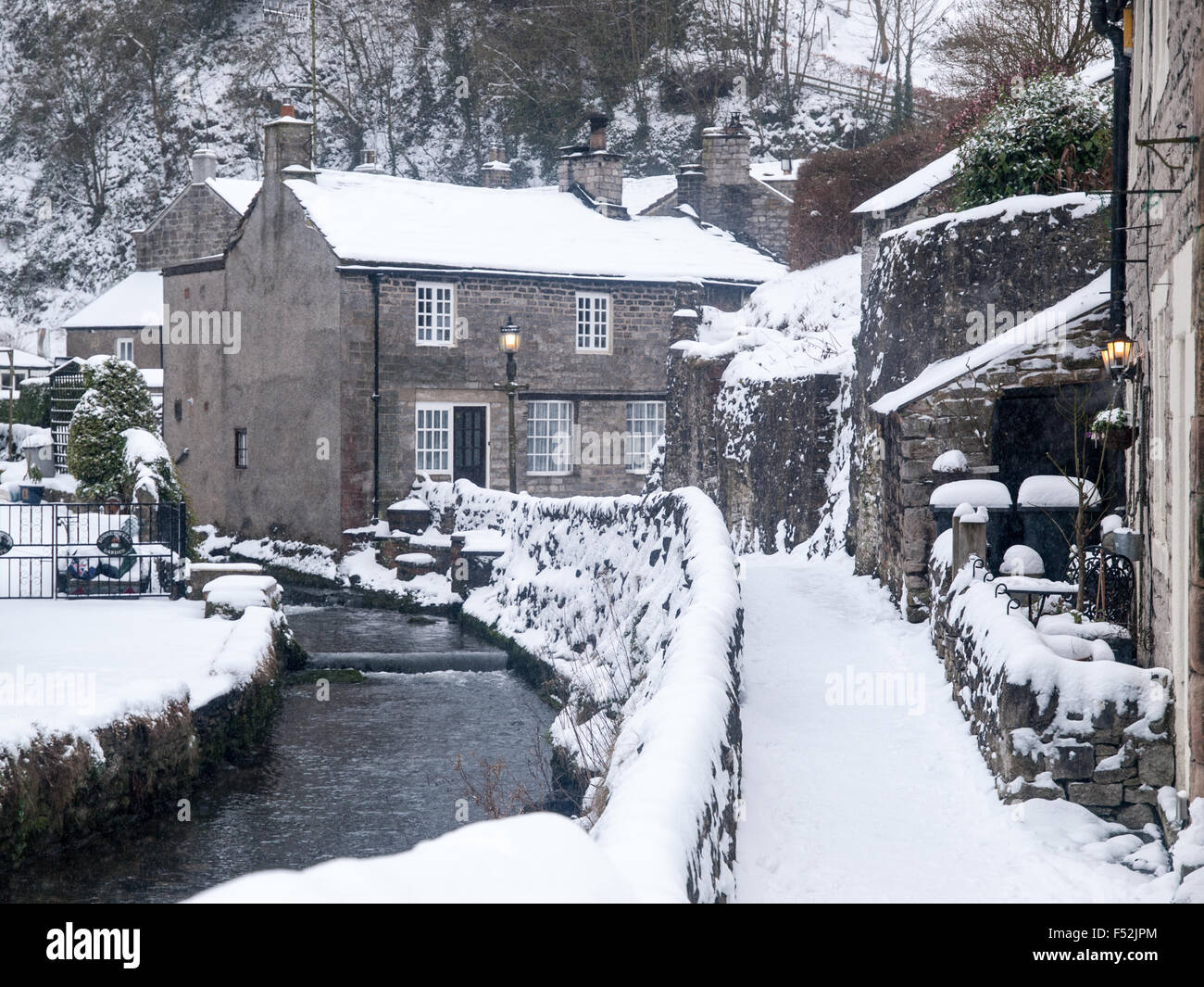 castleton village in the hope valley, derbyshire, in winter stock