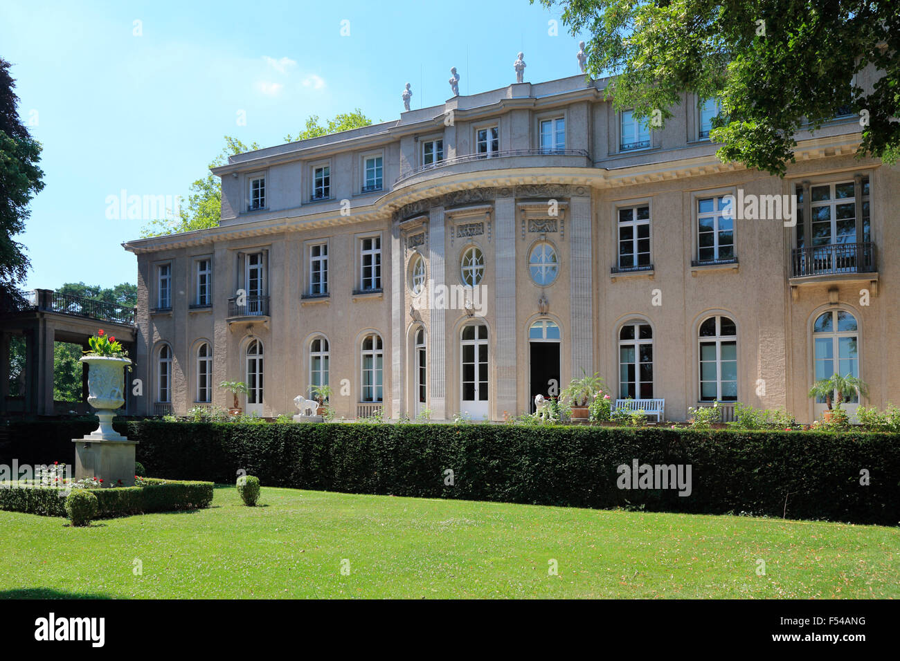 Berlin zehlendorf house of wannsee conference memorial and educational site