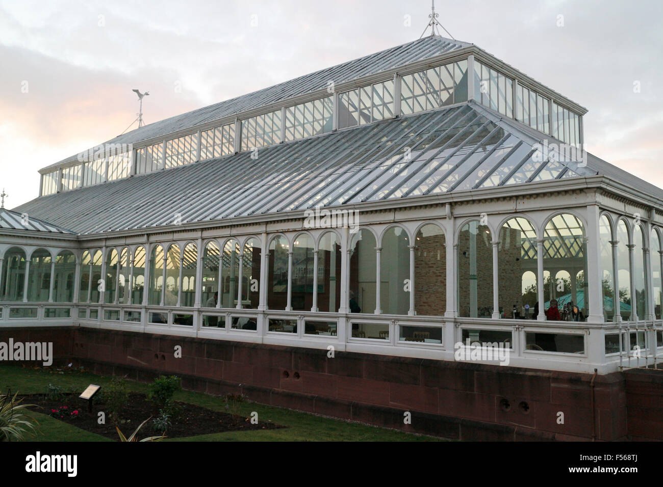 The greenhouse stanley - Isla Gladstone Conservatory In Stanley Park Liverpool England Uk Stock Image