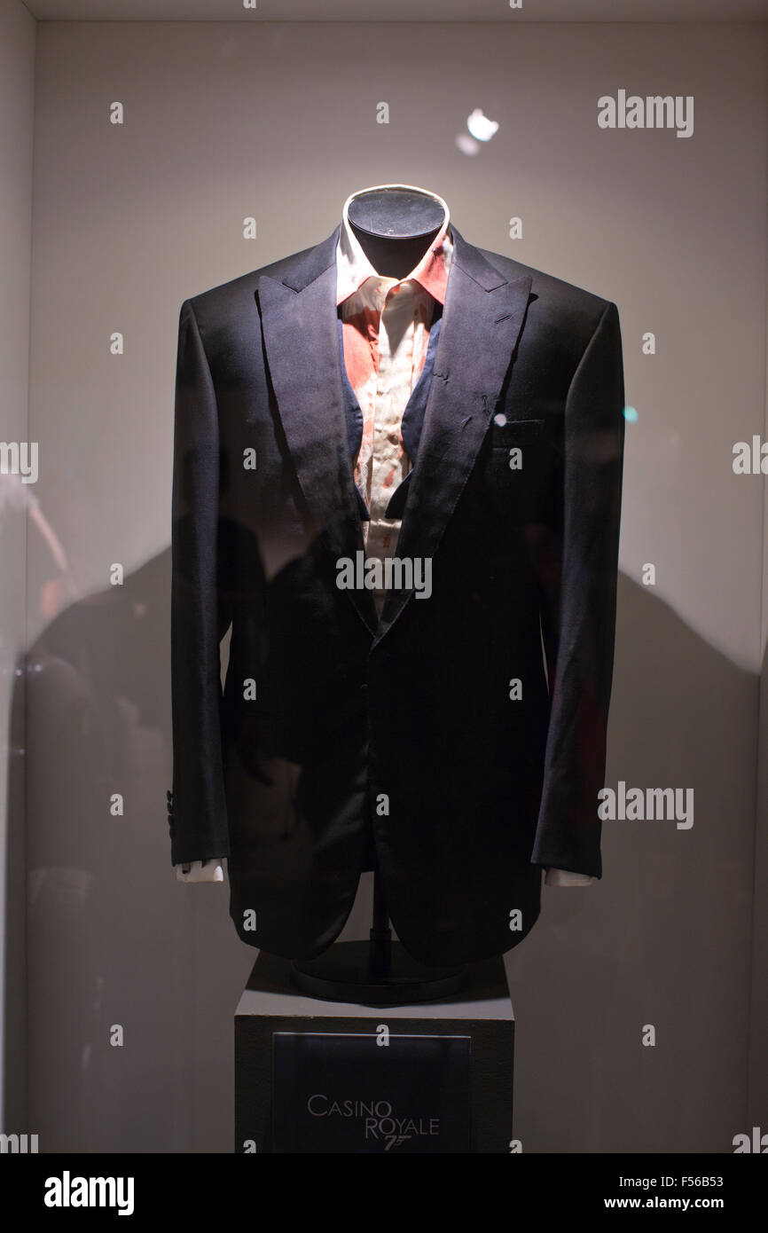 james bond dinner jacket casino royale
