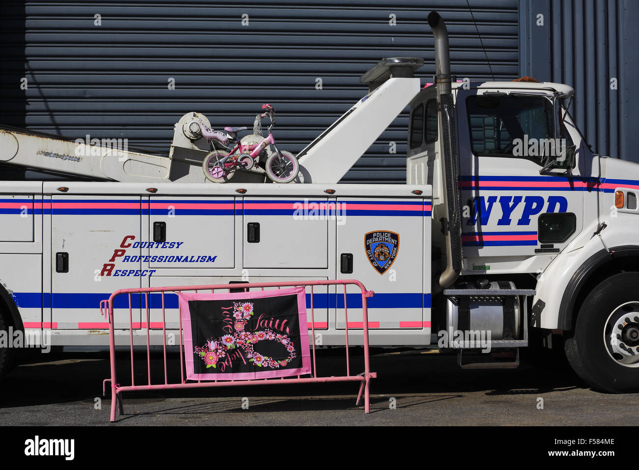 Heavy nypd police tow truck parking in violation tow service pier 76 tow pound at