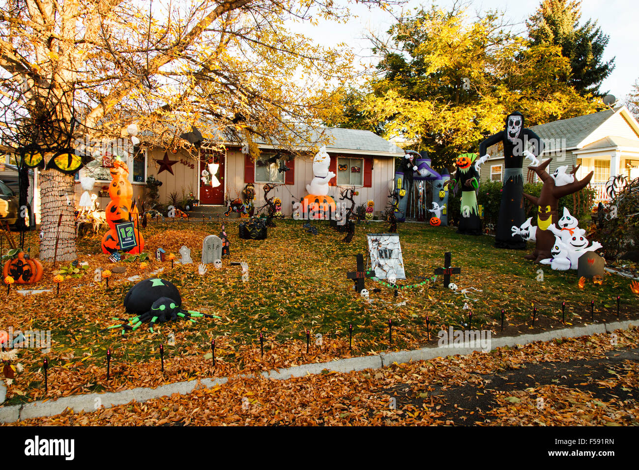 Getting Ready For Halloween, Prosser WA USA
