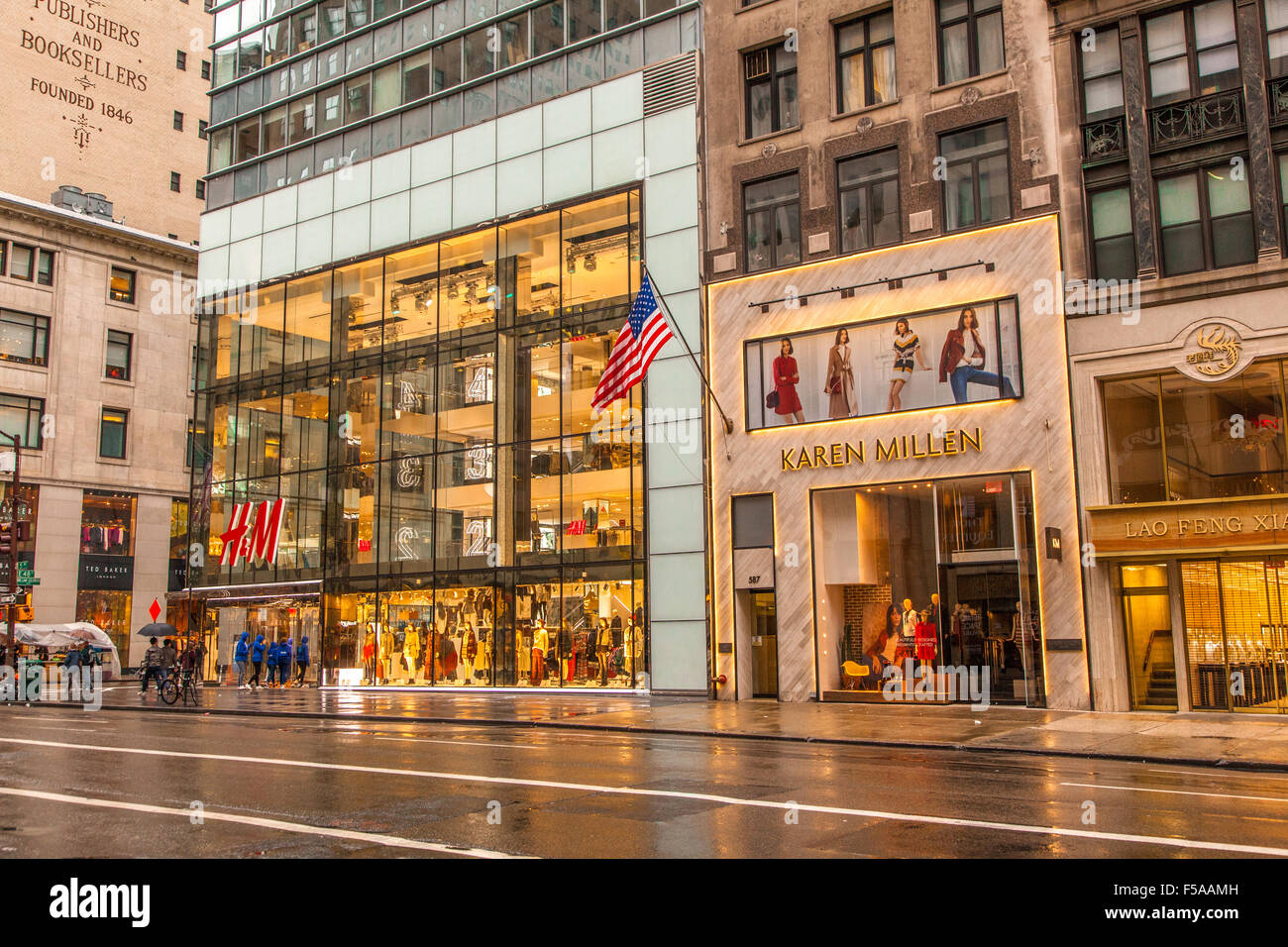 H&M store, 5th Avenue New York city, United States of ...