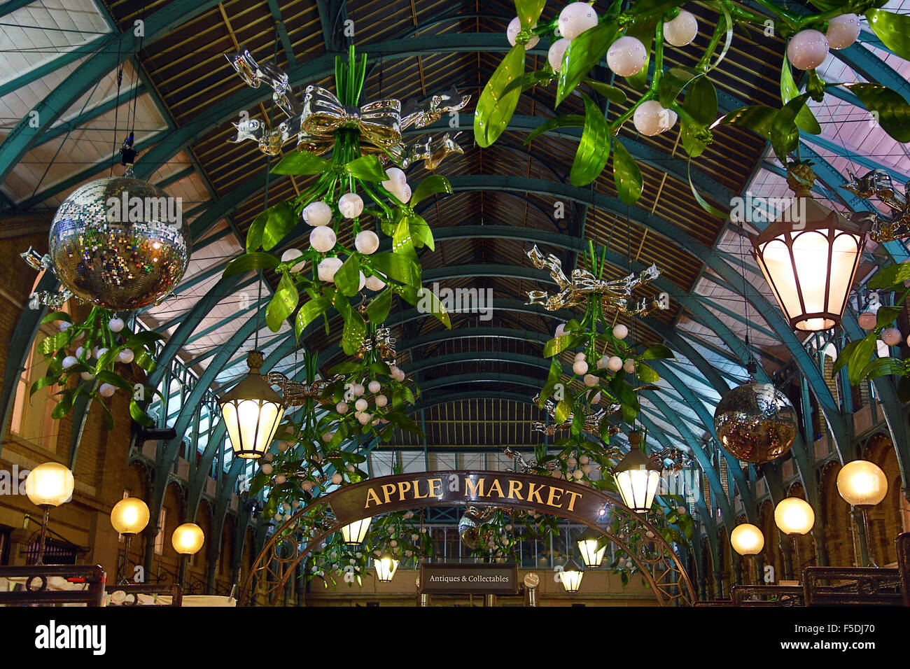 Covent garden flower market interior small 2 - First Sight Of The New Covent Garden Mistletoe