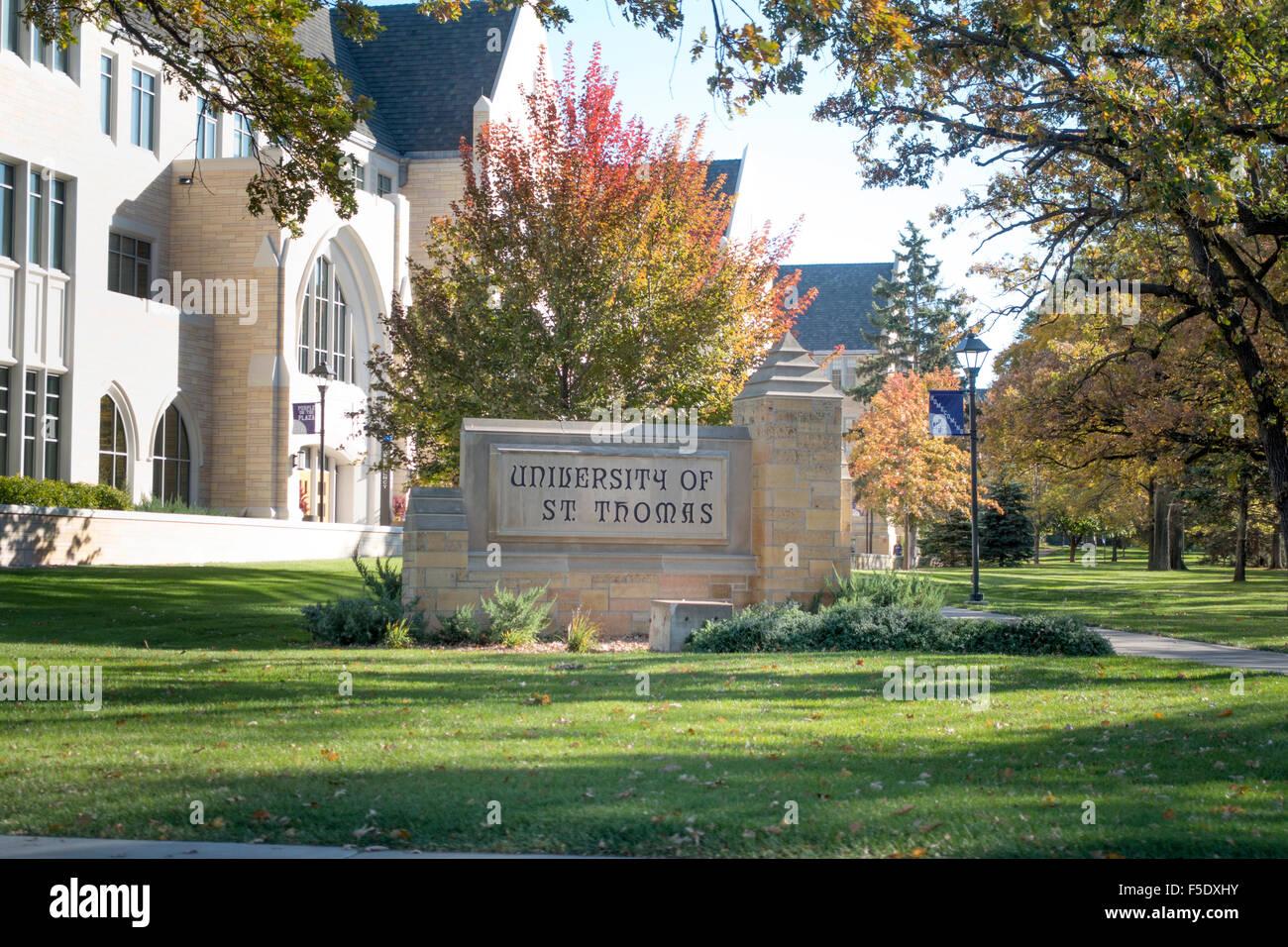 University Of St Thomas Campus Tour