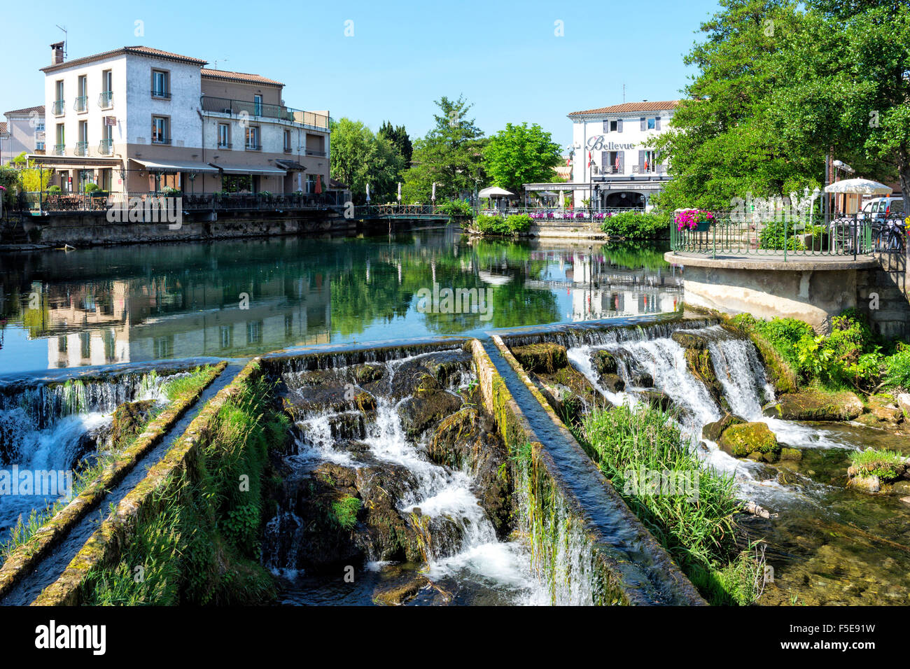 waterways l 39 isle sur la sorgue vaucluse provence alpes cote d 39 azur stock photo 89439557 alamy. Black Bedroom Furniture Sets. Home Design Ideas