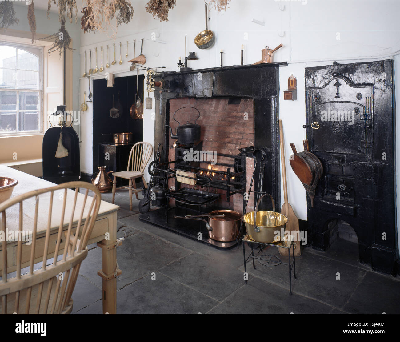Victorian Kitchen Floors Flagstone Floor In Am Authentic Victorian Kitchen With A Large