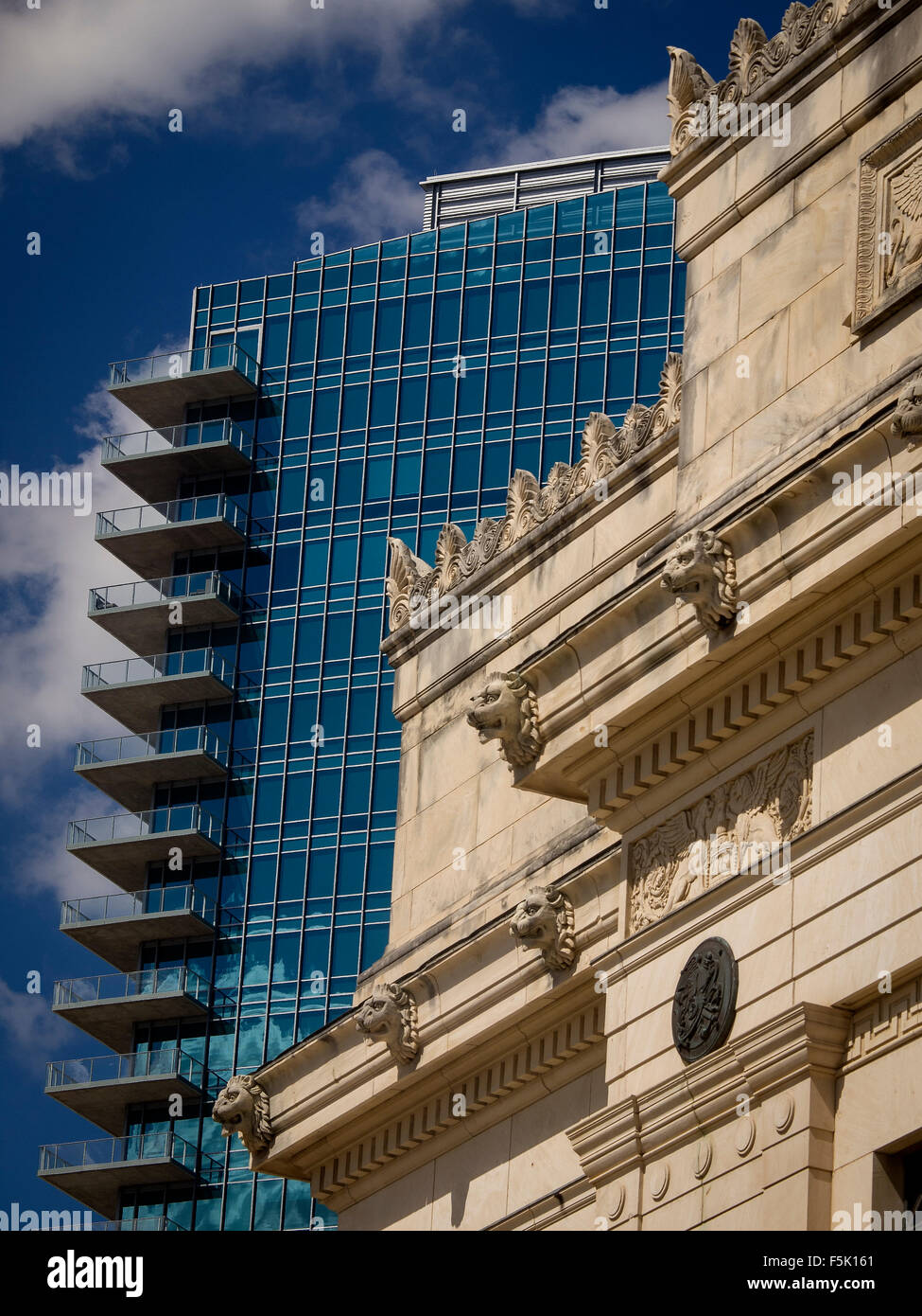 Ft worth tx usa old main post office built in the 30 s contrasts with 21st century omni hotel in downtown fort worth
