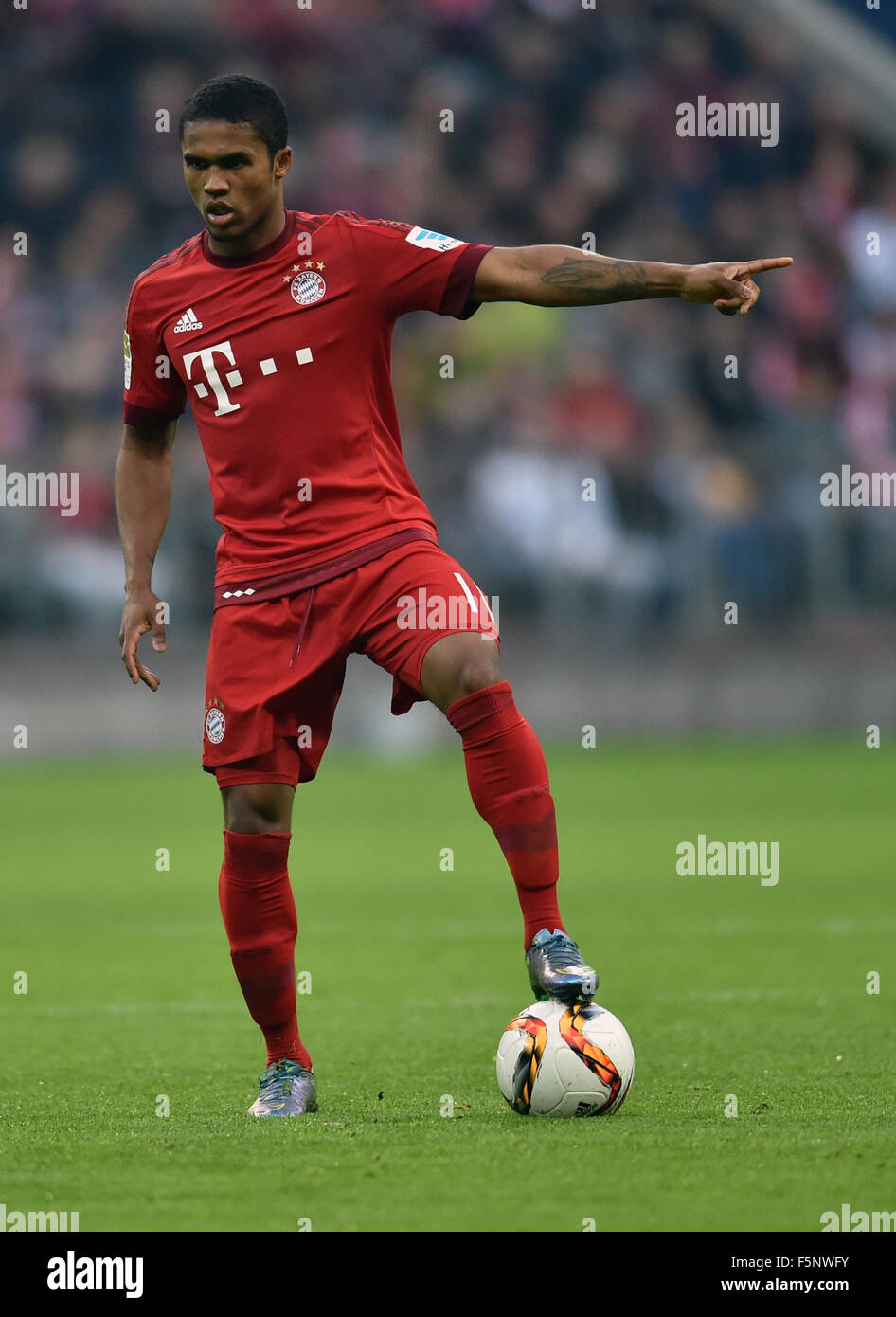 Munich Germany 07th Nov 2015 Munich s Douglas Costa de Souza