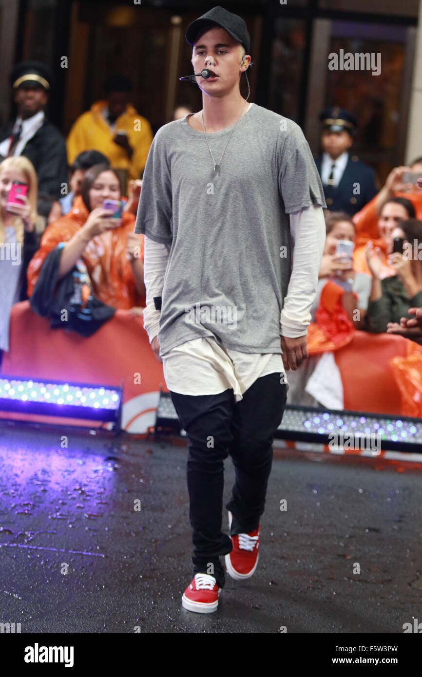 Justin Bieber performing live on NBC's Today show part of ...