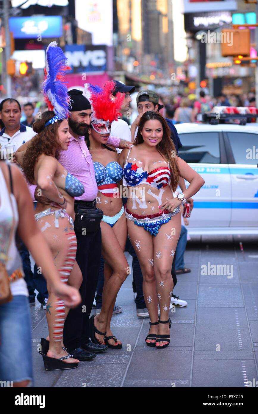 The topless girls and characters of times square working for Where do models live in new york