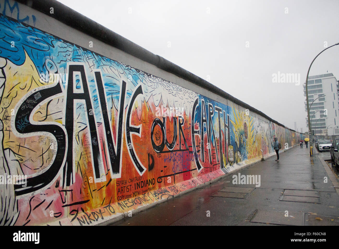 Graffiti wall christchurch - The Berlin Wall At The East Side Gallery Save Our Earth Graffiti