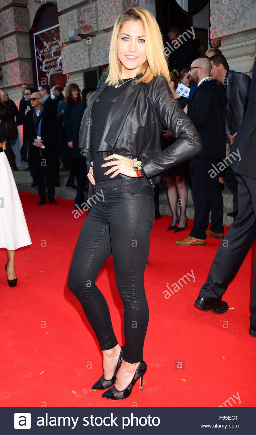 Fiona erdmann at the premiere chicago at theater des westens germany 11 10 2015