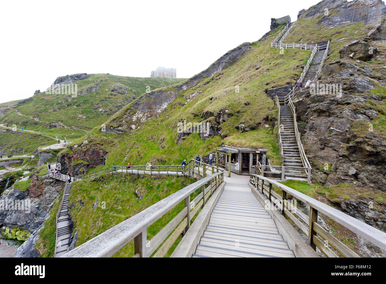 sea-mist-and-steps-the-bridge-to-the-island-with-tintagel-castle-ruins-F68M12.jpg