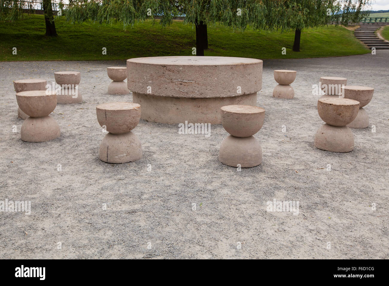 Table Of Silence Is One Of The Three Pieces Of Targu Jiu Monumental ... for Brancusi Table Of Silence  155fiz