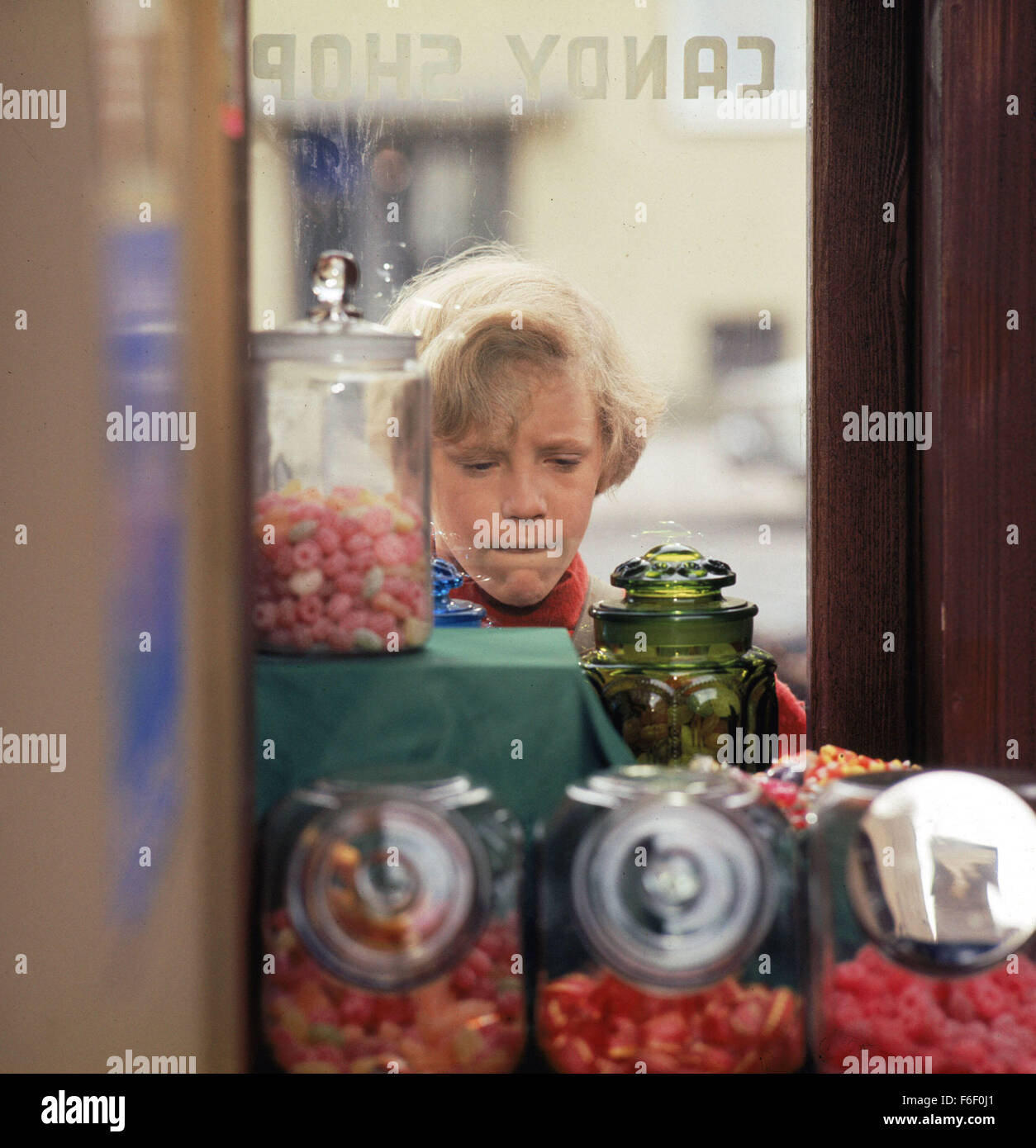 Charlie And The Chocolate Factory Film Stock Photos & Charlie And ...