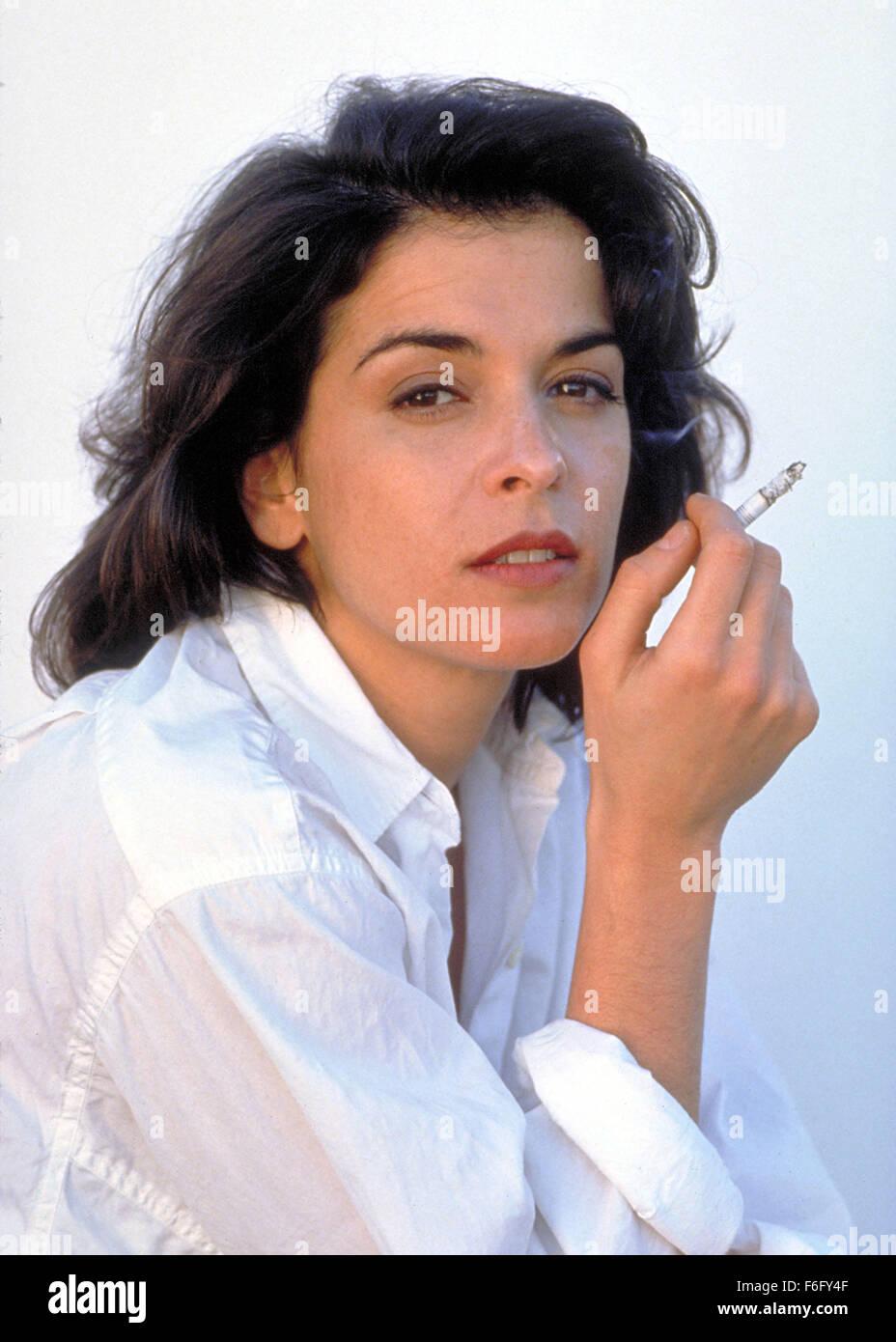 feb 04 1994 new york ny usa actress annabella sciorra