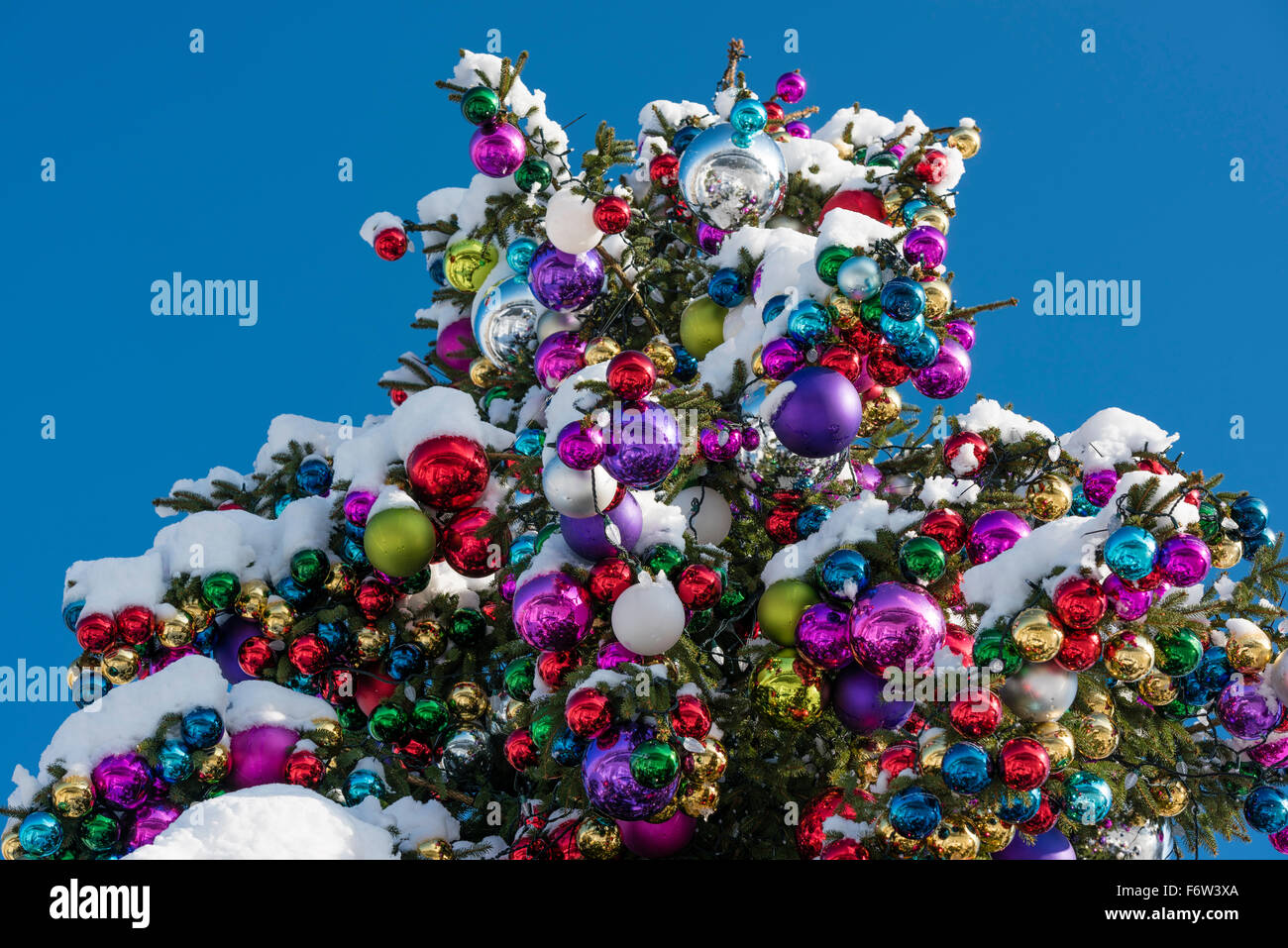 Outside ornaments - Colourful Christmas Ball Ornaments On A Giant Christmas Tree On Saechselaeutenplatz Outside Zurich Opera House
