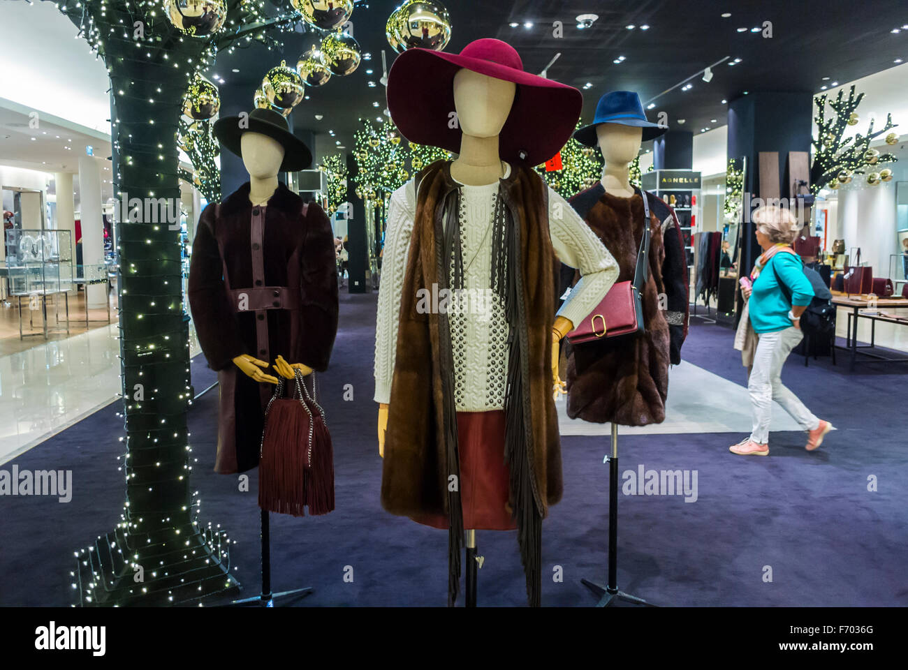 paris france clothes mannequins on display christmas deco luxury stock photo 90356968 alamy. Black Bedroom Furniture Sets. Home Design Ideas