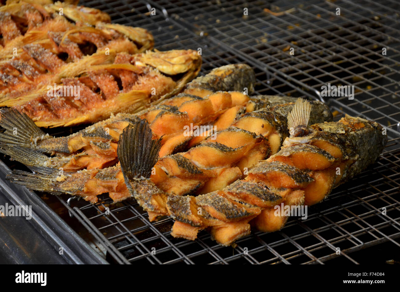 Snake head fish deep fried and tilapia fish deep fried for for Fish meal for sale