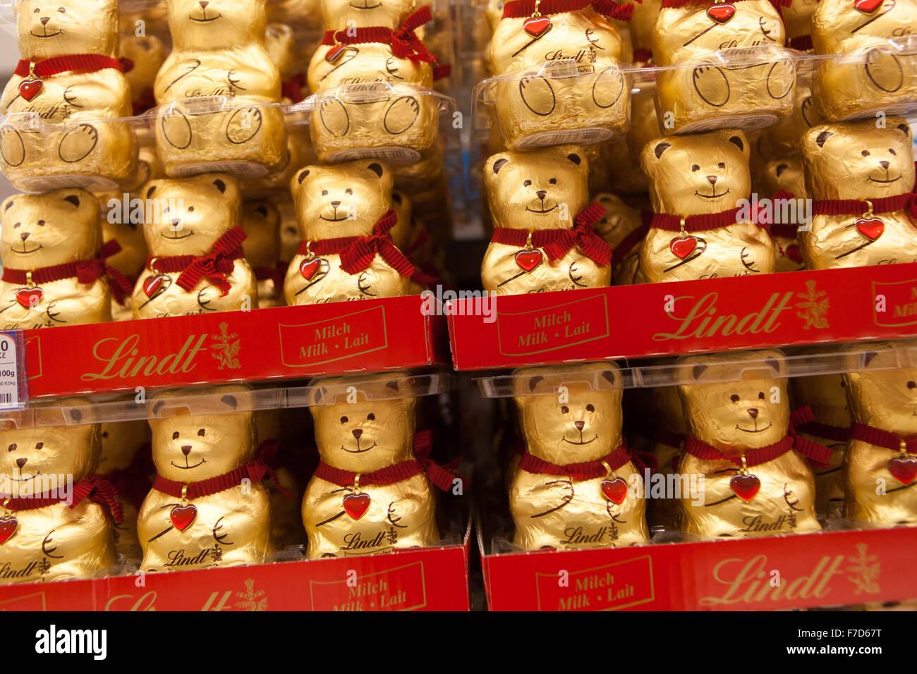Lindt Chocolate Shop Stock Photos & Lindt Chocolate Shop Stock ...