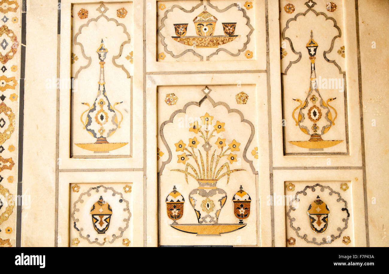 Detail of Decorating the wall of Itmad-ud-Daulah,Agra,India Stock ...
