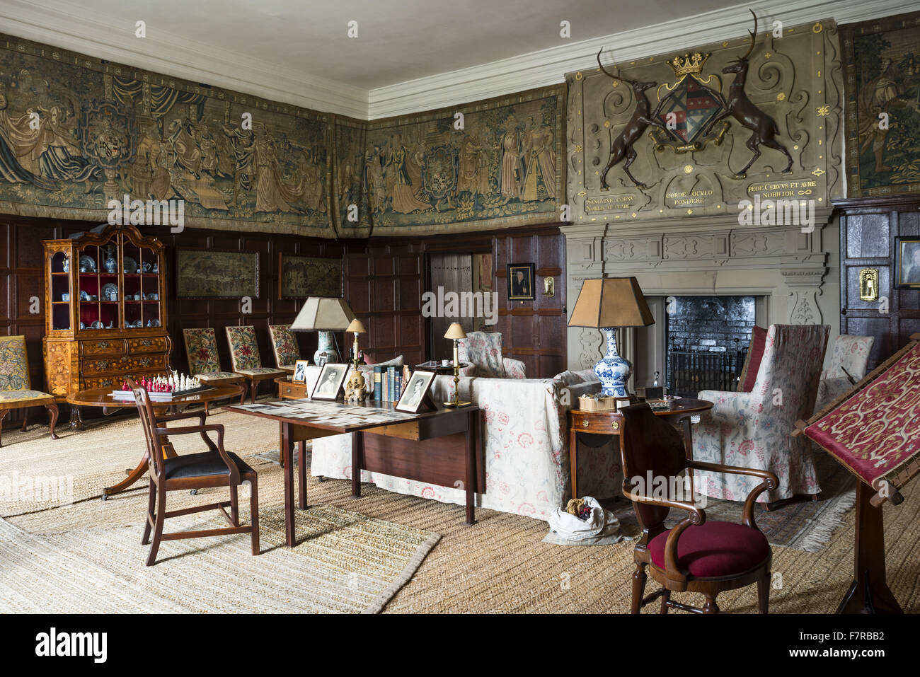 The drawing room at hardwick hall derbyshire hardwick for Drawing hall interior