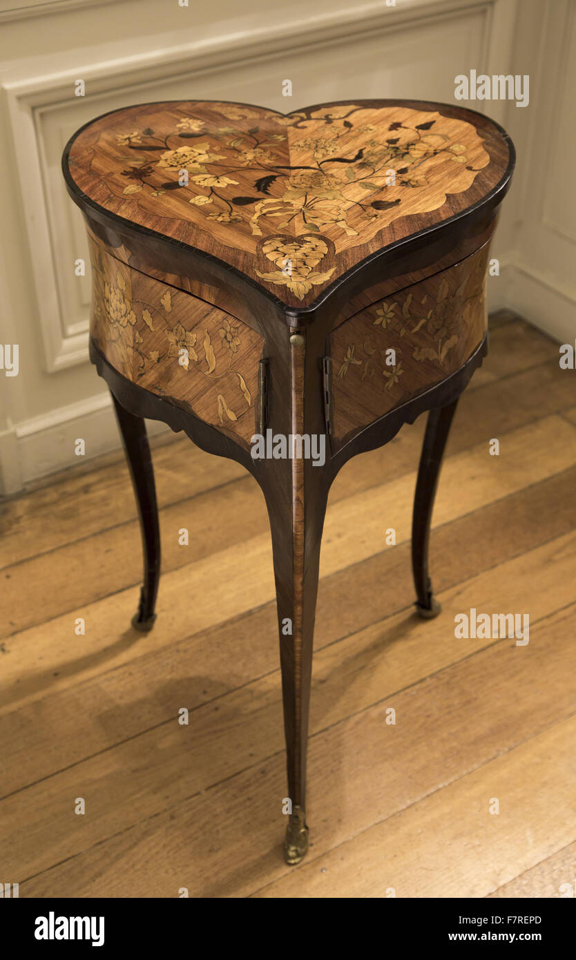Superb Heart Shaped French Marquetry Table De Toilette, Dating From The Louis XV  Period (1715 1744), Polesden Lacey, Surrey