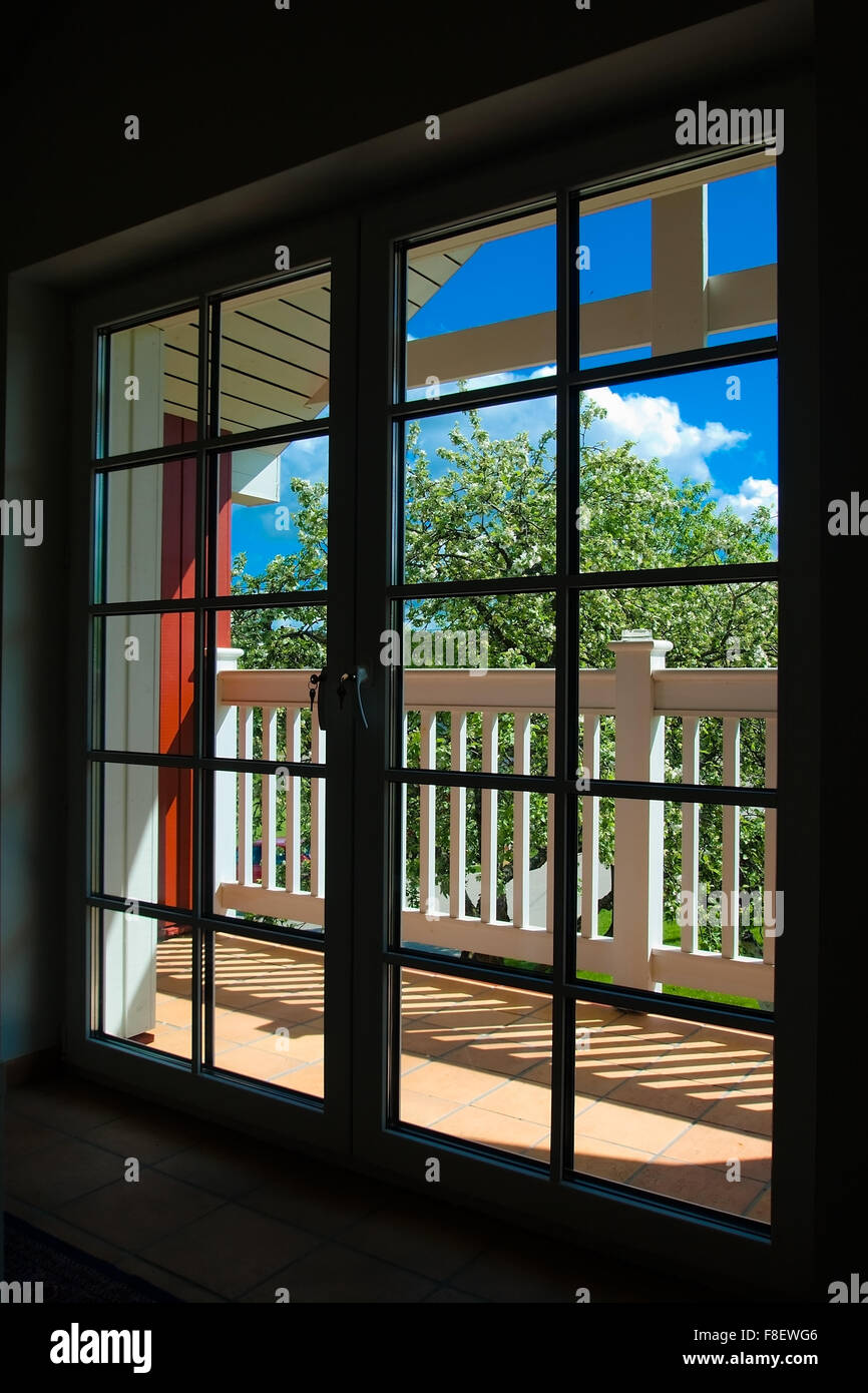 Балконные двери стекло - стоковое фото stavrida #11466338.