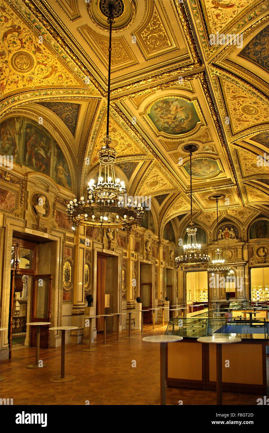Opera House Foyer : The beautiful foyer of state opera house staatsoper