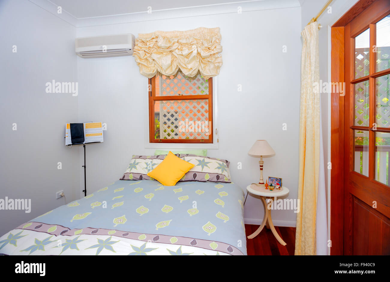 100 Download Small Messy Apartment Bedroom Best 25