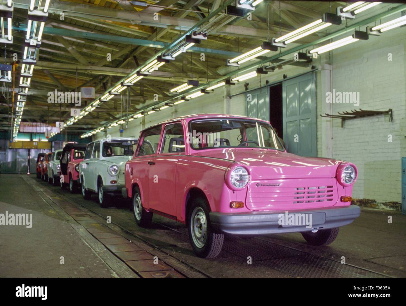 Colored cars zwickau - 30 04 1991 Ceremony For The Last Trabant Cars That Leave The Factory