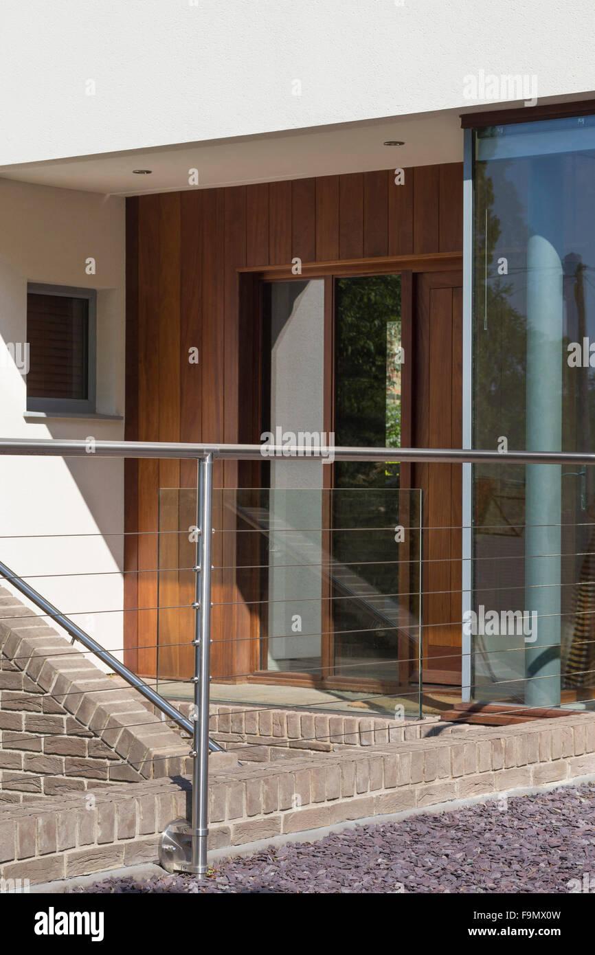 Front Door Steps Uk Stock Photos & Front Door Steps Uk Stock ...