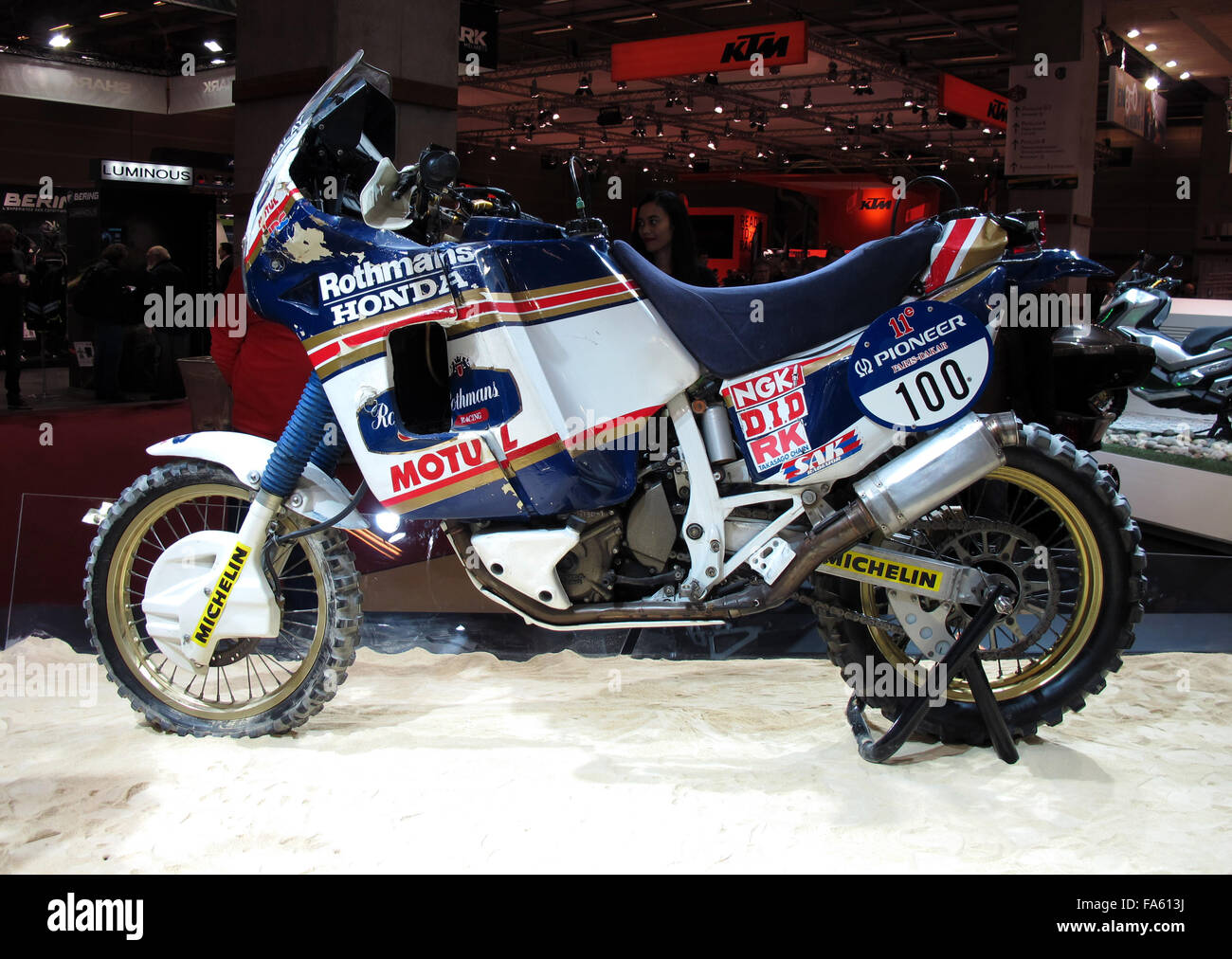 rothmans honda paris dakar rally japan paris motorcycle. Black Bedroom Furniture Sets. Home Design Ideas