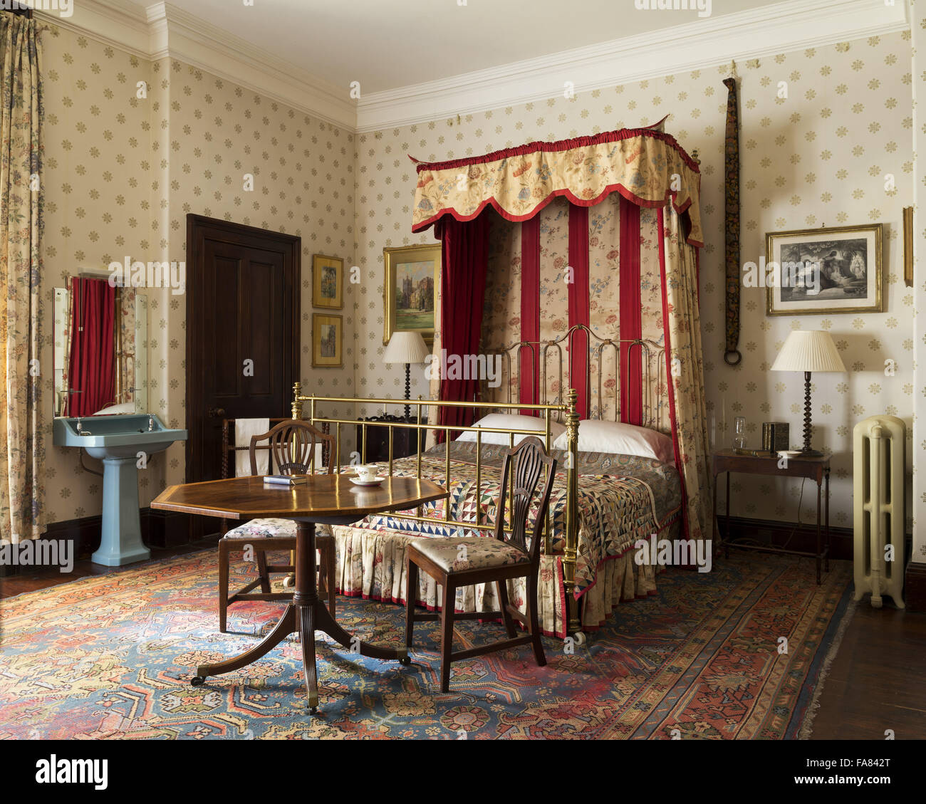 The East Quantoxhead Bedroom at Dunster Castle Somerset with iron and brass bed with & Half Tester Beds Stock Photos u0026 Half Tester Beds Stock Images - Alamy